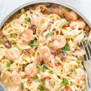 Garlic Shrimp Pasta in Creamy Sauce In a Pan