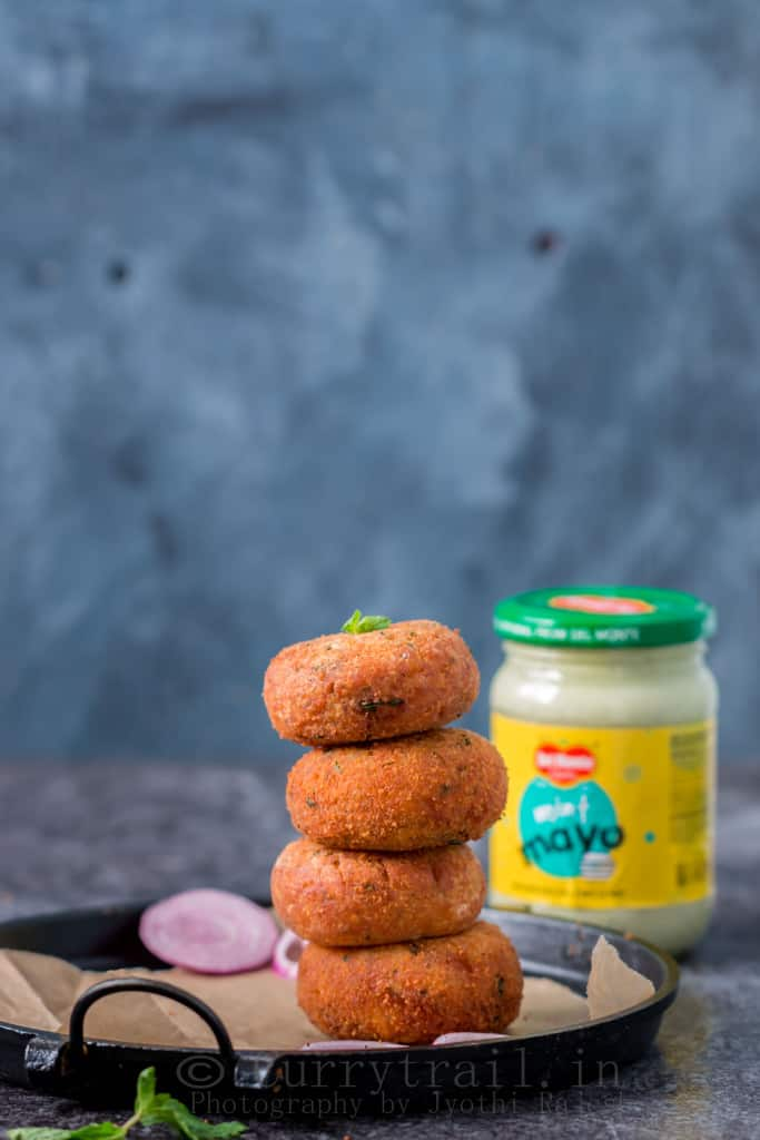 Cheesy Mint Mayonnaise Stuffed Potato Cutlets