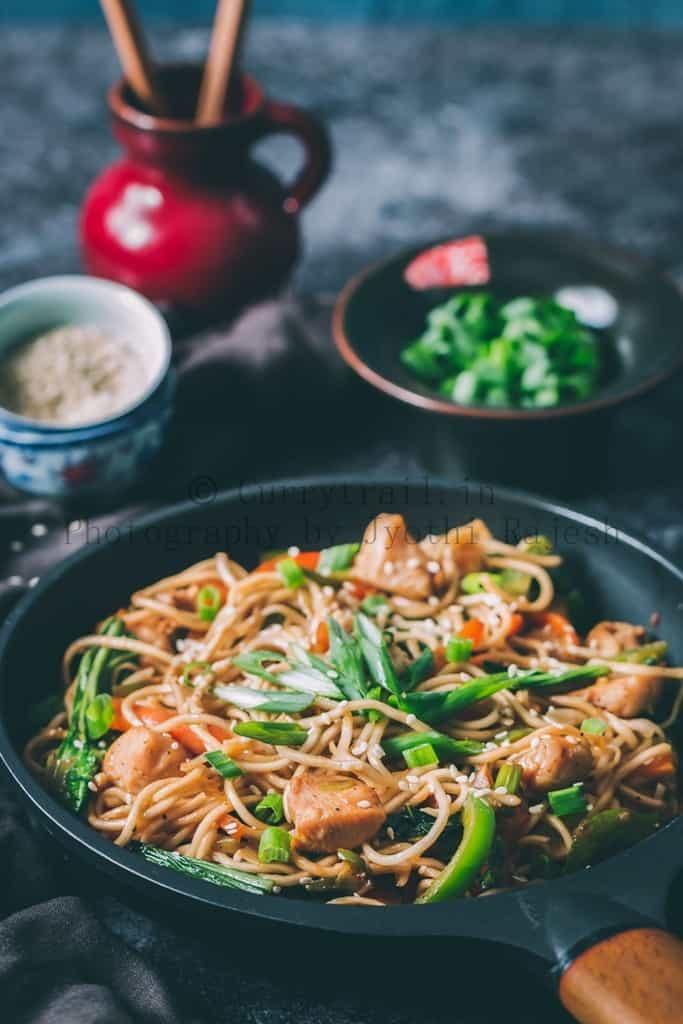Cantonese Style Chicken Chowmein