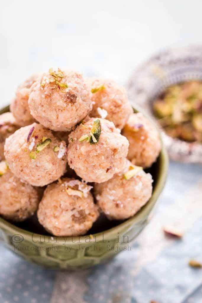 Coconut Khoya Dry Fruit Ladoo_2