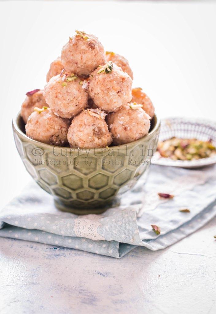 Coconut Khoya Dry Fruit Ladoo_5