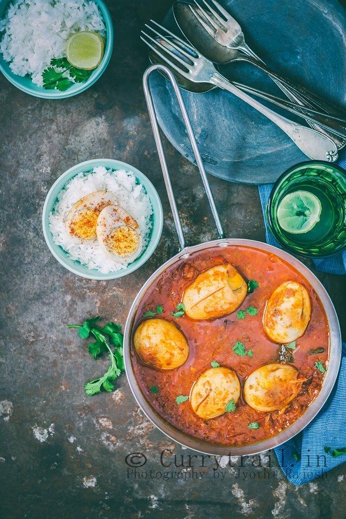 Dhaba Style Punjabi Egg Curry_5