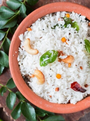 Coconut Rice served in a clay pot