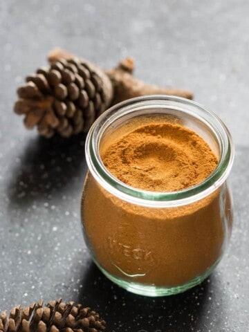 homemade pumpkin pie spice in weck jar
