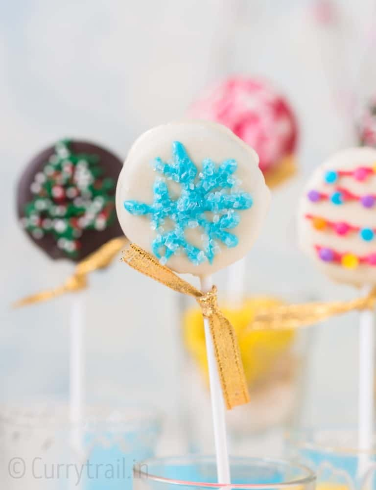 Christmas OREO pops are super cute and easy to make
