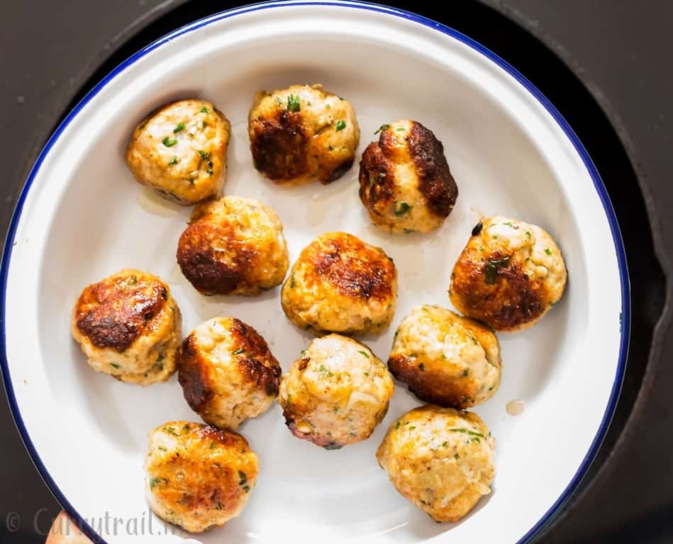 browned chicken meatballs to make chicken meatballs in creamy sauce