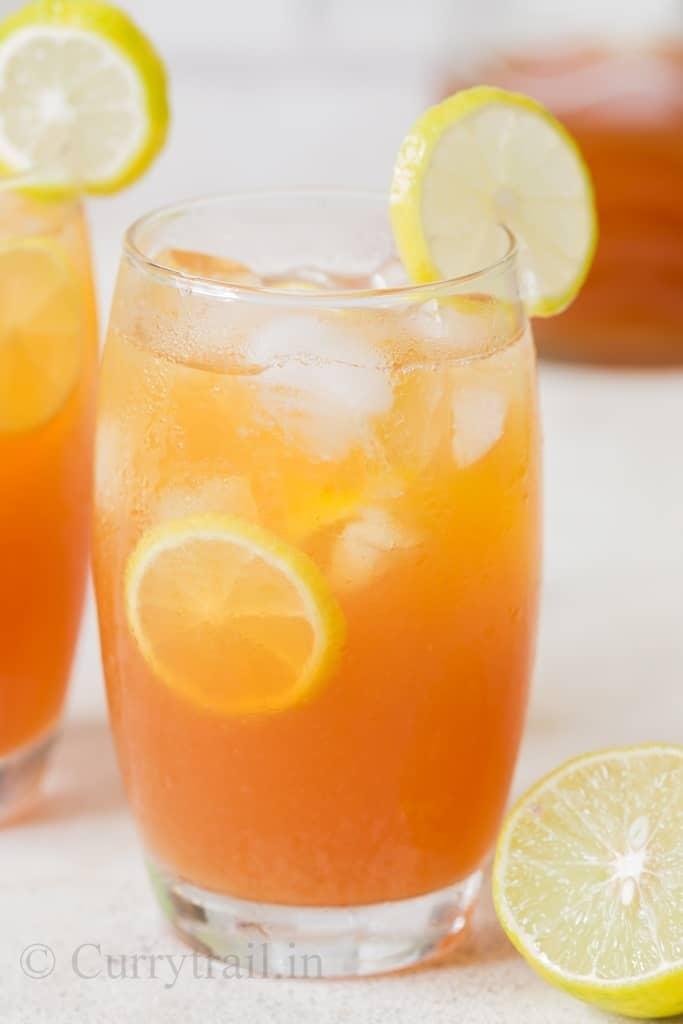 2 glasses of lemon iced tea