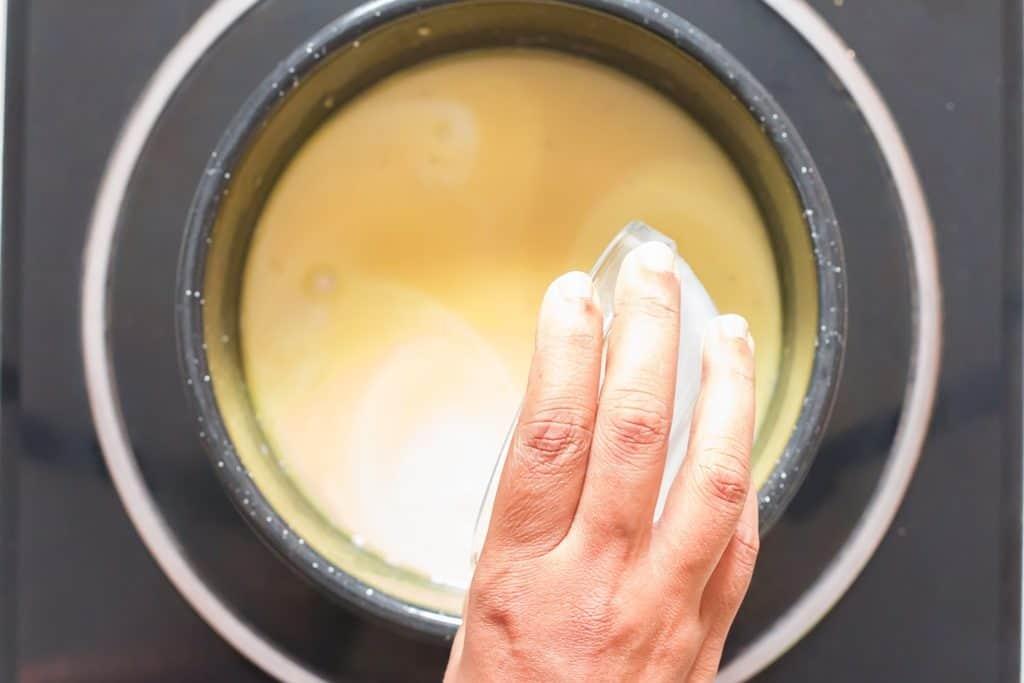 cooking Parmesan garlic sauce