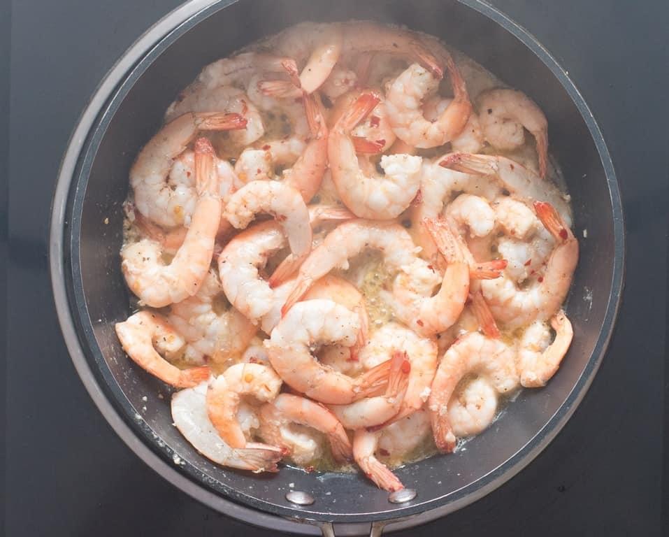 Lemon garlic shrimps cooked in skillet