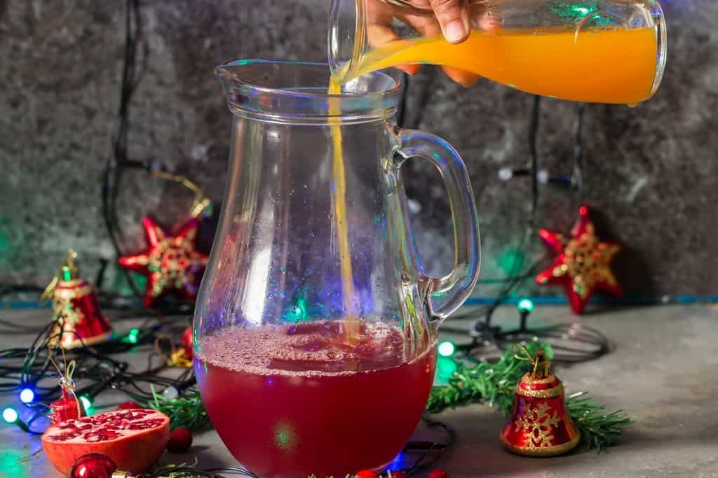 step by step picture on How to make Christmas punch