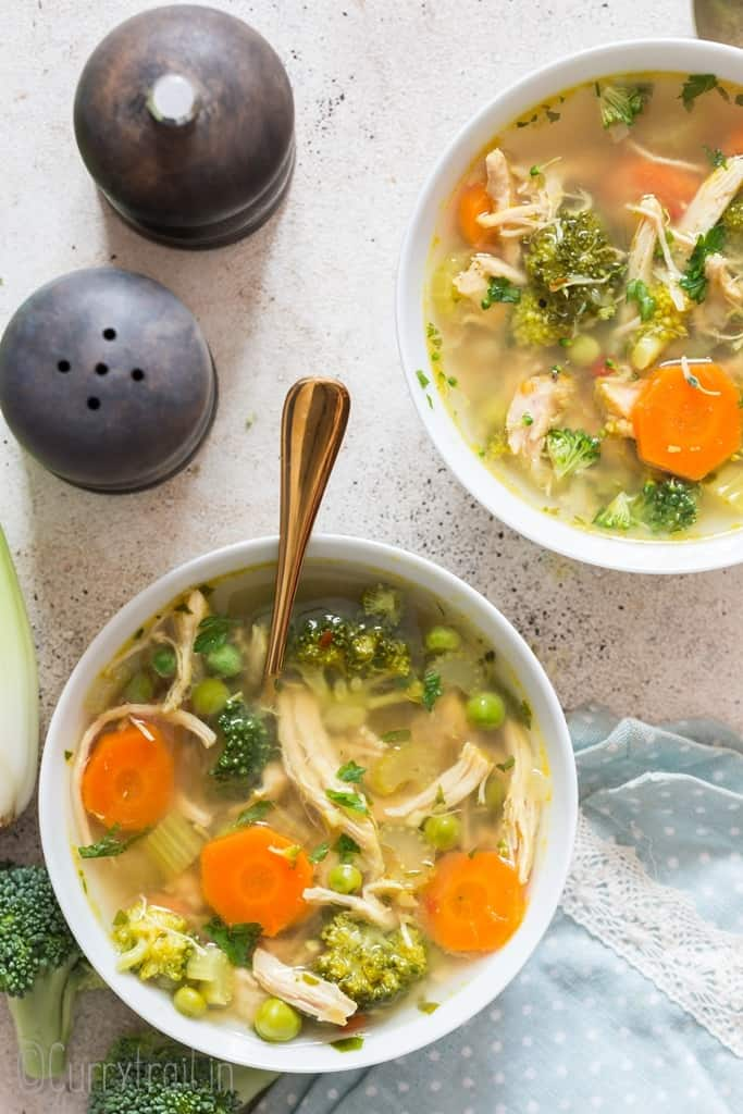 chicken detox soup in two soup bowls