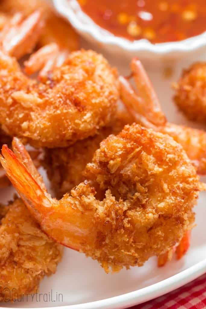 coconut crusted shrimp with dipping sauce
