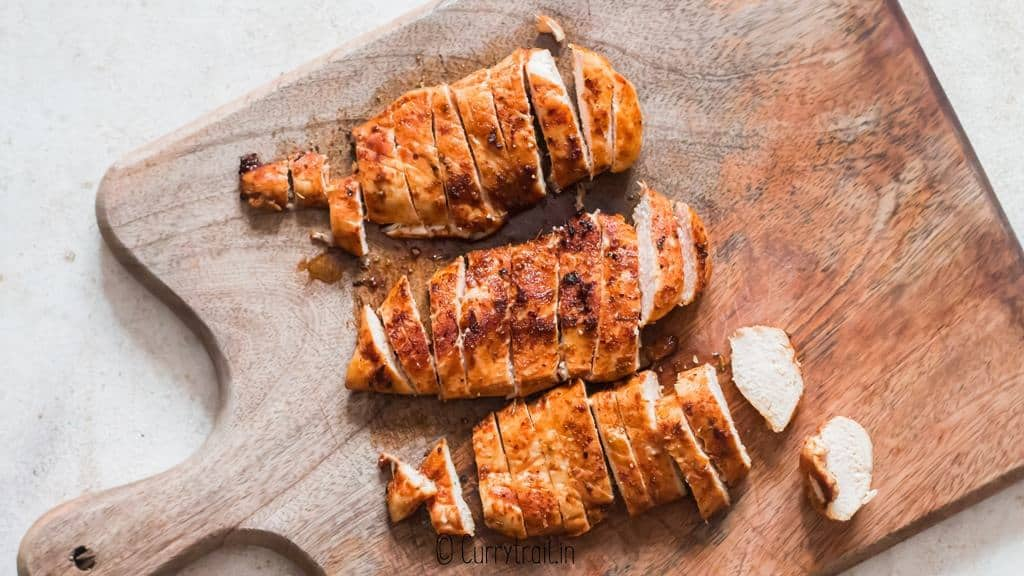 slicing cajun chicken breasts