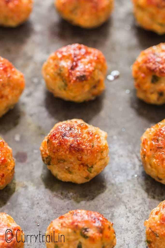 chicken meatballs baked in baking tray