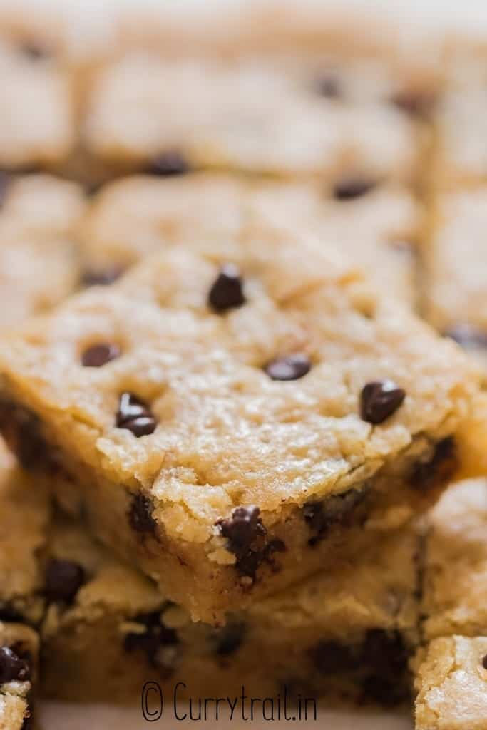 close up view of cookie bar with chocolate chips